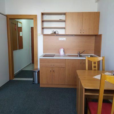 Dvojizbový apartmán - kuchyňa